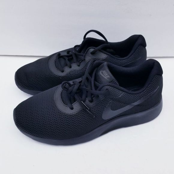 Nike Shoes   New Tanjun 4e Athletic